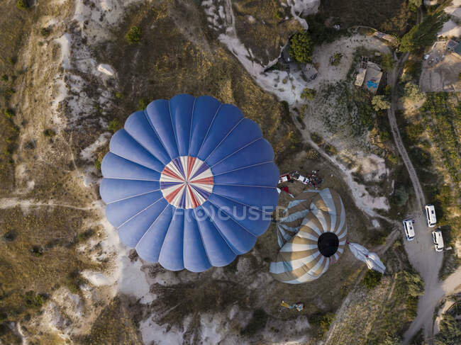 Aerial view of hot air balloons on Goreme National Park, Cappadocia, Turkey — Stock Photo