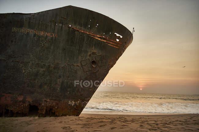 Wrecked ship at Namibe's beach. Namibe, Angola — Stock Photo