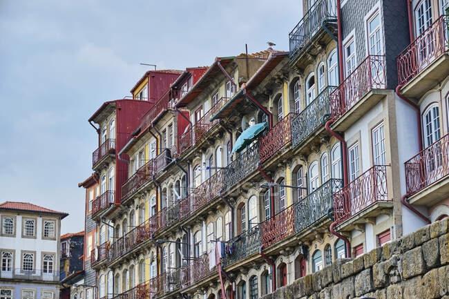 Portogallo, Porto, Case colorate in Piazza Ribeira — Foto stock