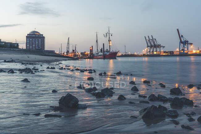 Germany, Hamburg, Ovelgonne port at low tide — Stock Photo