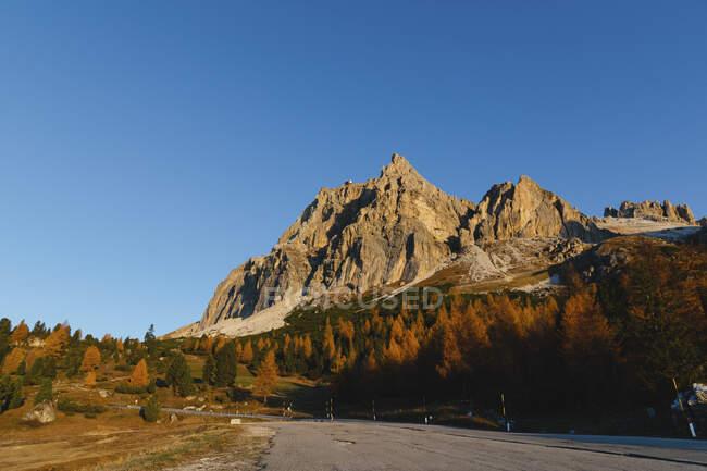 Гора осінь, Доломіти, Кортіна, Італія — стокове фото