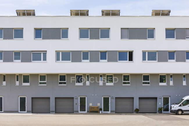 Allemagne, Baden-Wurttemberg, Esslingen, Bâtiment résidentiel neuf — Photo de stock