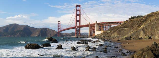 USA, California, San Francisco, Panorama ofGolden Gate Bridge — стокове фото