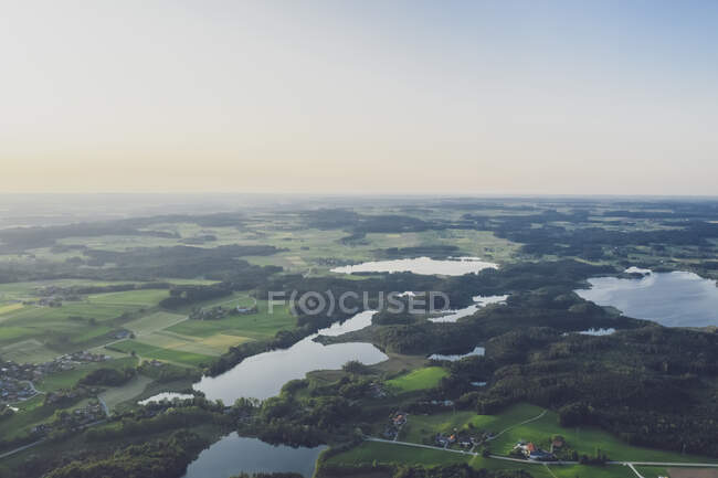 Germania, Baviera, Rosenheim, Veduta aerea del lago Eggstatt-Hemhofer — Foto stock