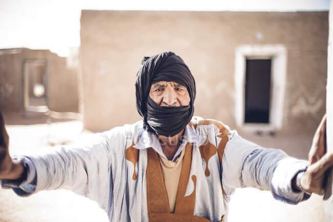 Портрет чоловіка похилого віку з табору Смара біженців у Тіндуфі (Алжир). — стокове фото