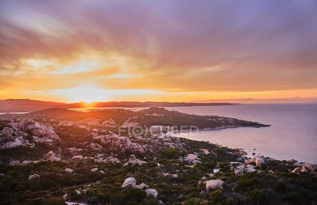Italia, Punta Sardegna al tramonto lunatico — Foto stock