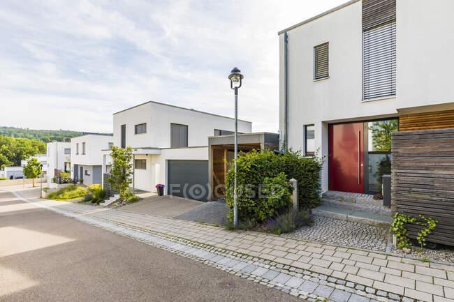Germany, Baden-Wurttemberg, Esslingen, New energy efficient residential houses — Stock Photo