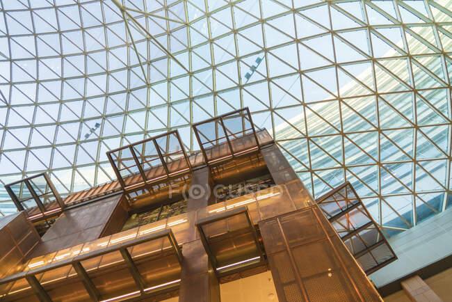 Торговый центр, Варшава, Польша — стоковое фото