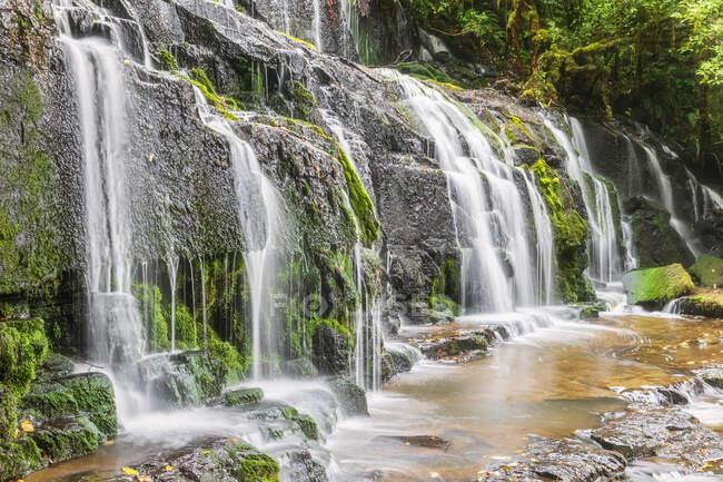 New Zealand, Oceania, South Island, Otago, Southeast, The Catlins, Purakaunui Falls — Stock Photo