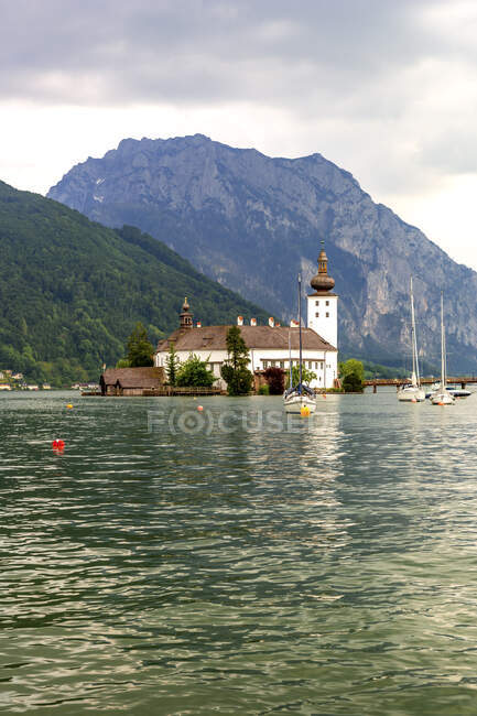 Austria, Gmunden, Ort castle on Traunsee — Stock Photo