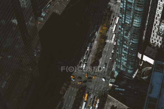 USA, New York, New York, Aerial view of road intersection in Manhattan — стокове фото