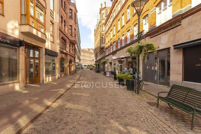 Suecia, Malmo, Históricos edificios de ladrillo rojo del casco antiguo - foto de stock