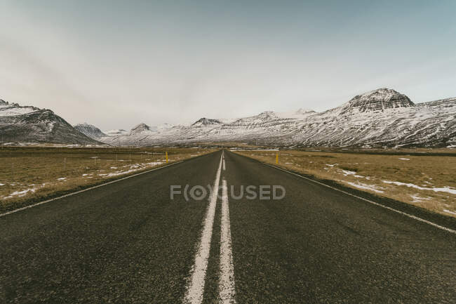 Iceland, Road number 1 with mountains — Stock Photo