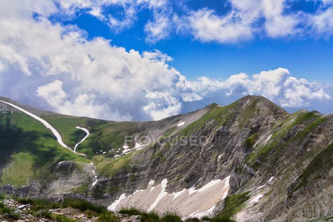 Italia, Umbria, catena montuosa dei Sibillini, Monte Vettore, Redentore e Prato — Foto stock