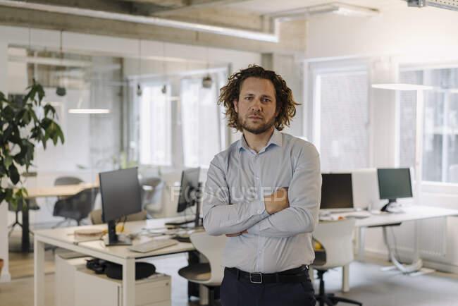 Портрет довіреного бізнесмена — стокове фото