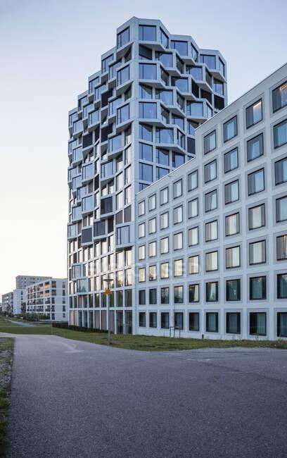 Сучасна багатоповерхова житлова будівля в Мюнхені, Німеччина. — стокове фото