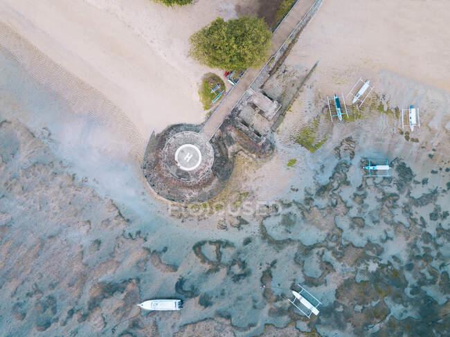 Indonesia, Bali, Vista aérea del helipuerto en la playa de Sanur - foto de stock