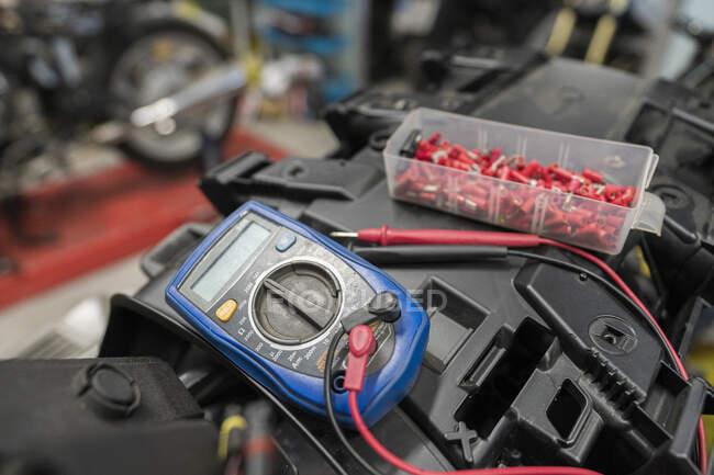 Nahaufnahme von Polymeterin Motorradkundenwerkstätte — Stockfoto