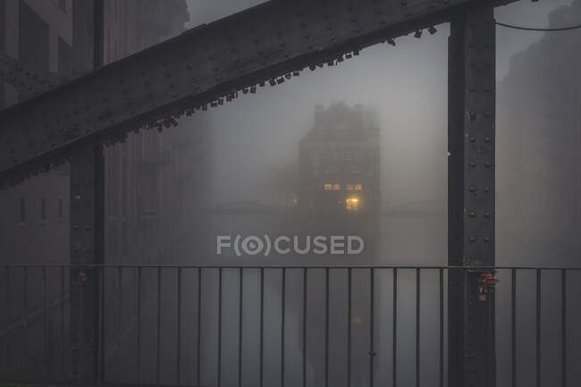 Німеччина, Гамбург, Вассерсхолл оповита густим туманом — стокове фото
