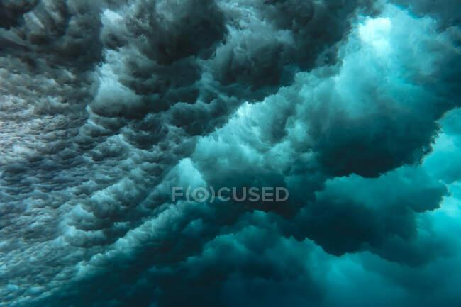 Indonesia, Subawa, Vista submarina de la ola - foto de stock