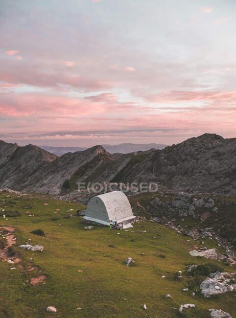 Spagna, Cantabria, Struttura bianca in Picos de Europa all'alba — Foto stock