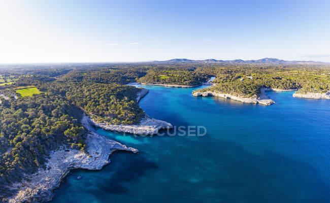 Spagna, Isole Baleari, Santanyi, Veduta aerea di Cala Mondrago nel Parco Naturale di Mondrago — Foto stock