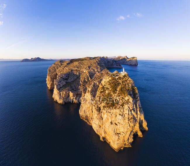 Spagna, Maiorca, Veduta aerea della penisola di Cap de Formentor all'alba — Foto stock