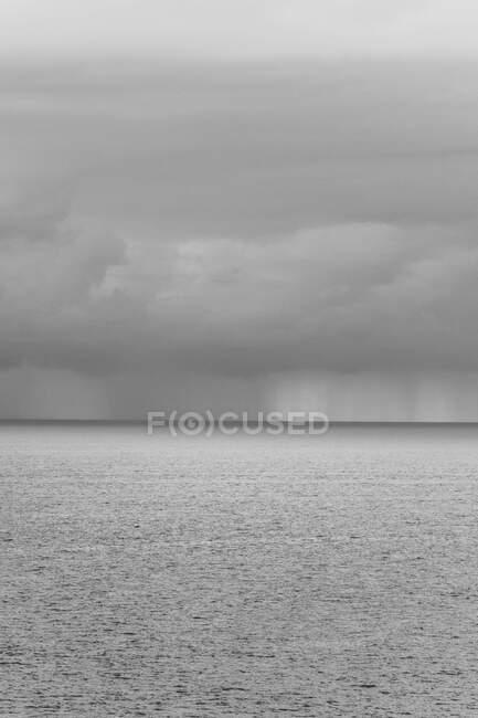Dia nublado no mar, Santander, Cantábria, Espanha — Fotografia de Stock