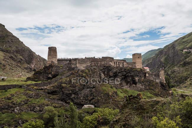Géorgie, Ruines de la forteresse de Khertvisi — Photo de stock