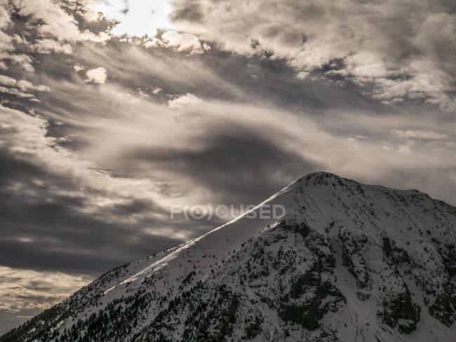 España, Pico nevado en los Pirineos - foto de stock