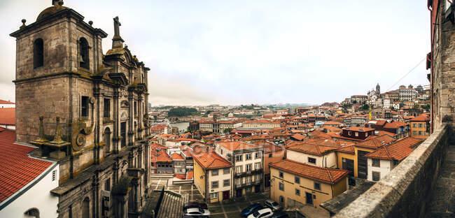 Portogallo, Porto, Chiesa di San Lorenzo e centro storico — Foto stock