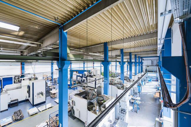 Machinery in factory shop floor — Stock Photo