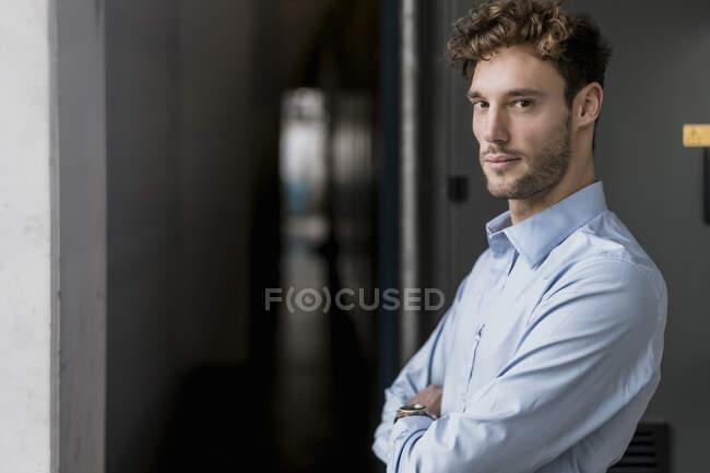 Portrait of a confident young businessman — Stock Photo