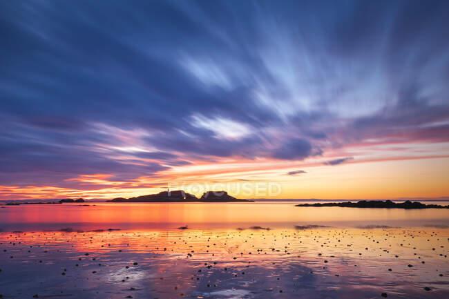 Vista idilliaca di Yellowcraigs Spiaggia contro il cielo durante il tramonto, East Lothian, Scozia — Foto stock