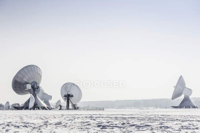 Estación baja Raisting en invierno, Baviera, Alemania - foto de stock
