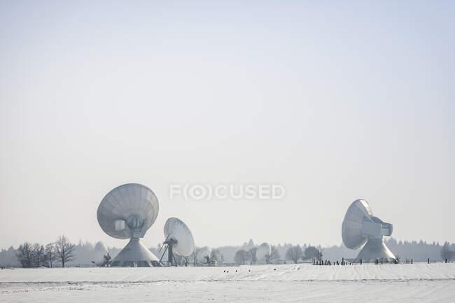 Наземна станція Пасовище взимку (Баварія, Німеччина). — стокове фото