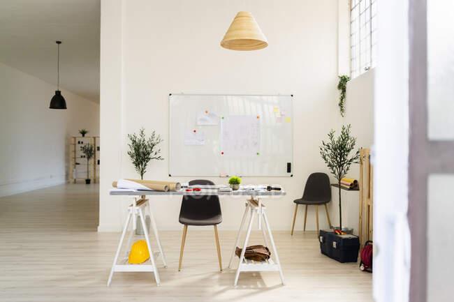 Interno dello studio di architettura — Foto stock