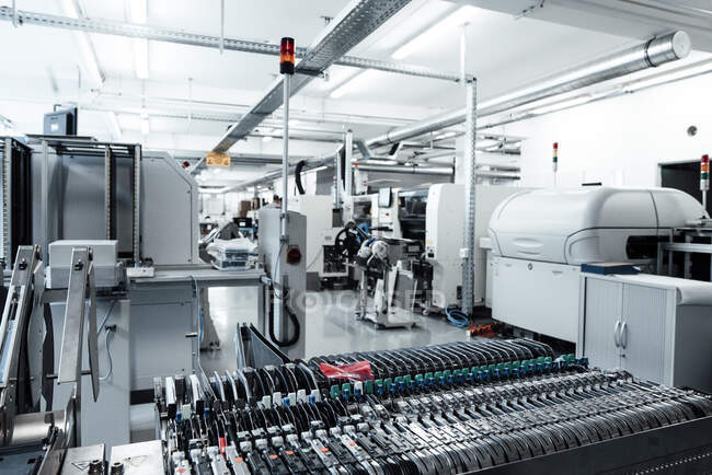 Машинобудування в ілюмінованій промисловості — стокове фото