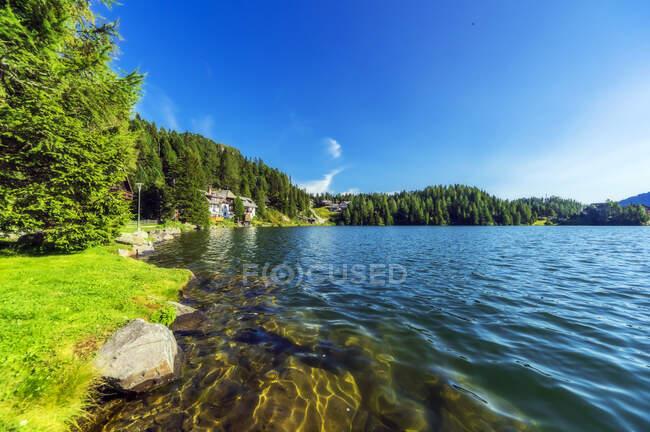 Мбаппе против ясного неба в Туррачер-Ходж, Гурбальские Альпы, Австрия — стоковое фото