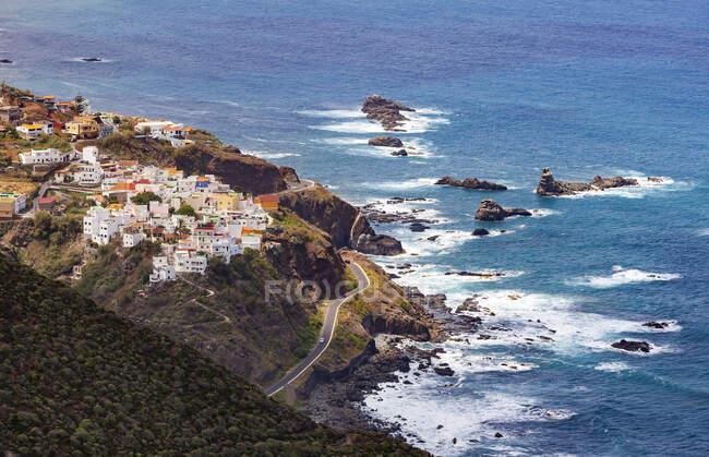 Spagna, Provincia di Santa Cruz de Tenerife, Almaciga, villaggio isolato sulla costa frastagliata dell'isola di Tenerife — Foto stock