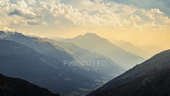Mountain landscape at sunset — Stock Photo