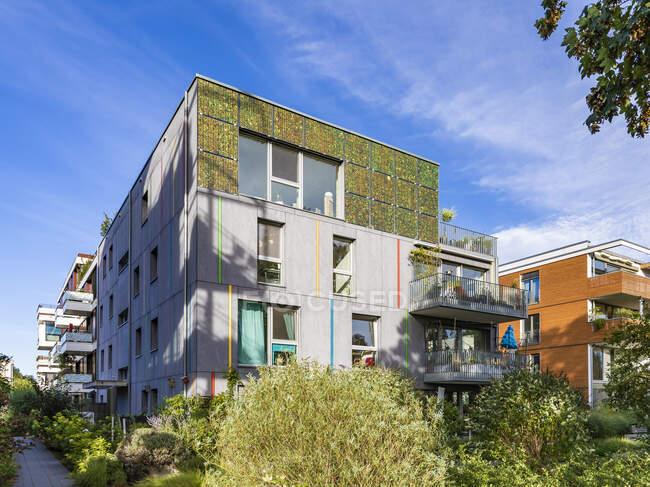 Moderno condominio. nuovo complesso residenziale. — Foto stock