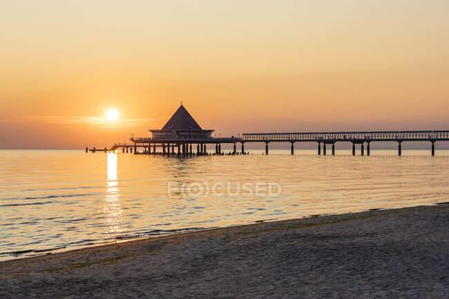 Bellissimo tramonto sul mare — Foto stock