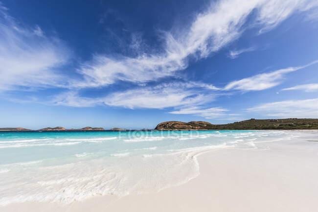 Onda marina sulla spiaggia di sabbia, Australia Occidentale — Foto stock