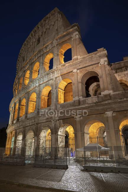 Itália, Roma, Coliseu à noite — Fotografia de Stock