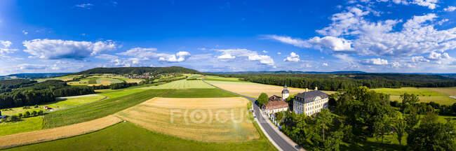 Alemanha, Baviera, Eggolsheim, Vista aérea do Castelo de Jagersburg na paisagem rural — Fotografia de Stock