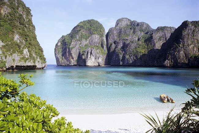 Thailandia, Provincia di Krabi, Ao Nang, Maya Bay in estate — Foto stock