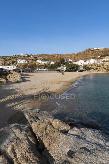 Пляж Super Paradise в Миямосе, Греция — стоковое фото