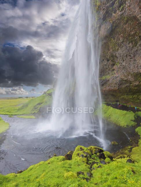 Longa exposição da cachoeira Seljalandsfoss — Fotografia de Stock