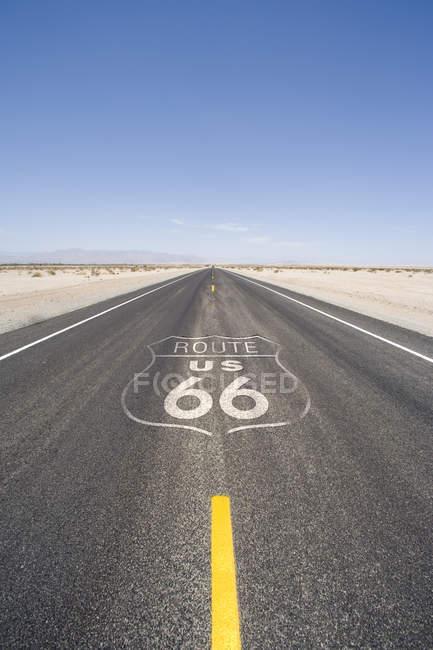 Distance autoroute du désert — Photo de stock